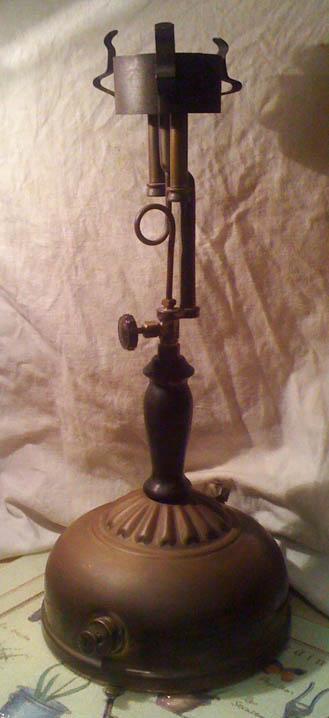 Antique Coleman Lamp Clic
