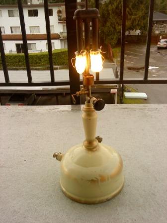 Delightful Canadian Coleman 157 table lamp | Classic Pressure ...